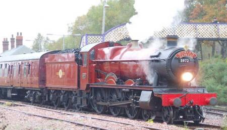 Hogwarts Express leaving Rannoch Station
